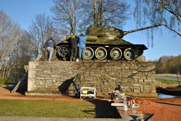 Реставрация танка в Нарве
