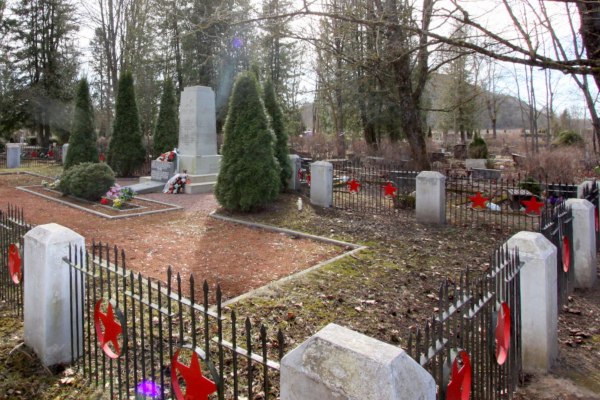 Памятник на братской могиле в Йыхви